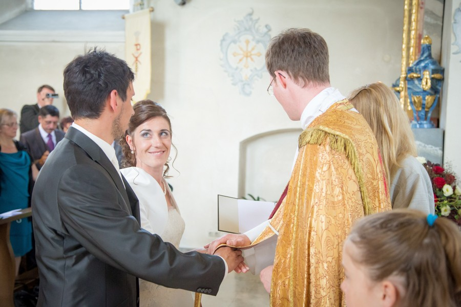 Hochzeitsfotograf-Basel-Weil-Lörrach-Minseln-Hochzeitsreportage-Sommer-Nordschwaben (10 von 15)