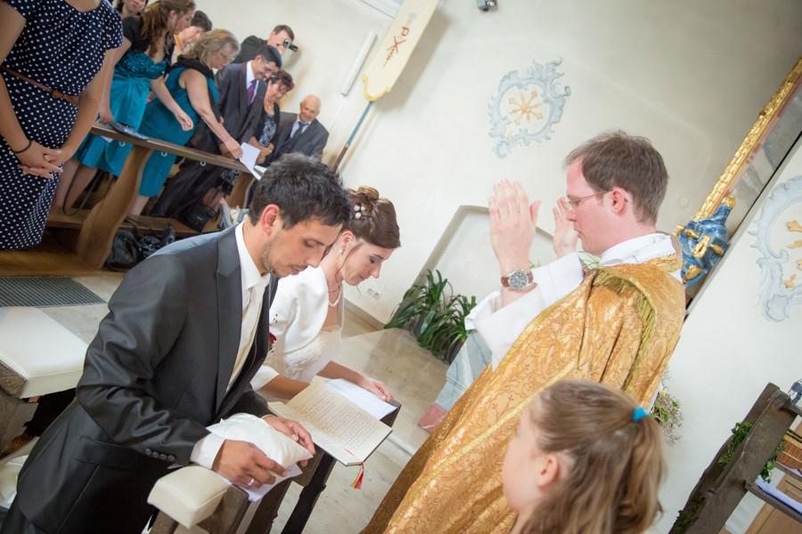 Hochzeitsfotograf-Basel-Weil-Lörrach-Minseln-Hochzeitsreportage-Sommer-Nordschwaben (11 von 15)
