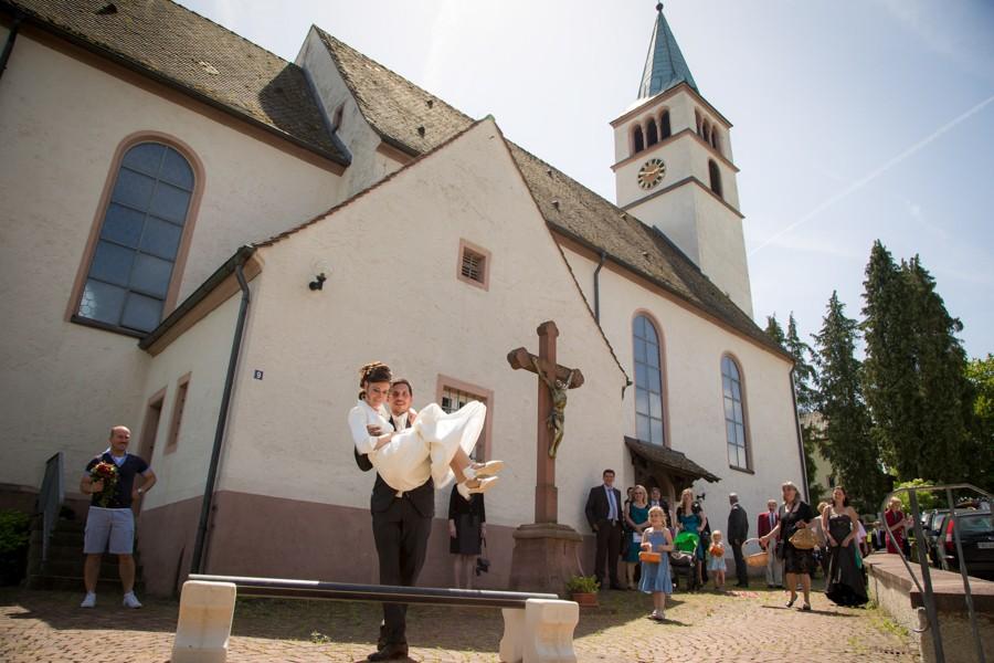 Hochzeitsfotograf-Basel-Weil-Lörrach-Minseln-Hochzeitsreportage-Sommer-Nordschwaben (13 von 15)