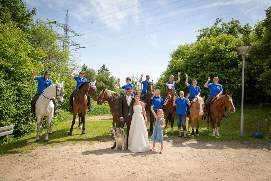 Hochzeitsfotograf-Basel-Weil-Lörrach-Minseln-Hochzeitsreportage-Sommer-Nordschwaben (18 von 15)