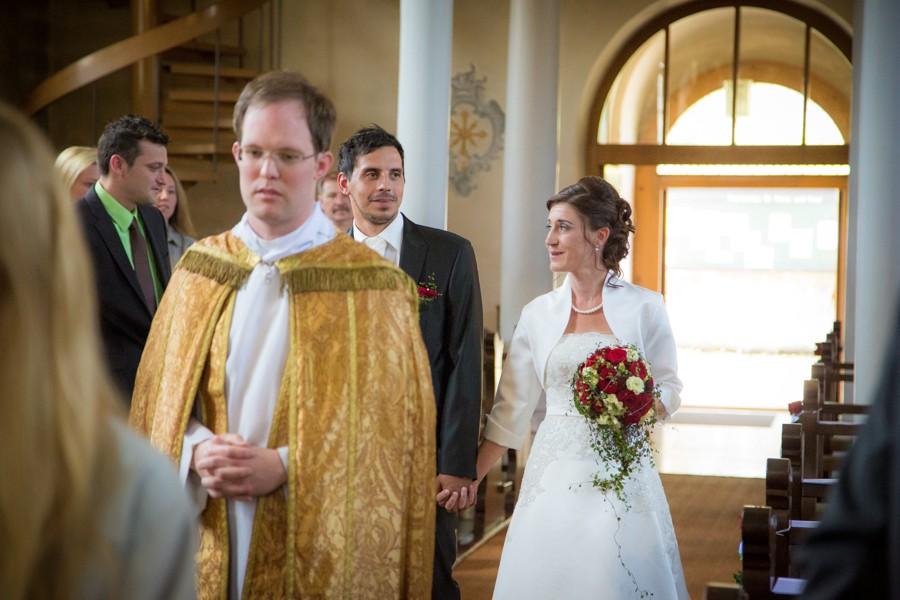 Hochzeitsfotograf-Basel-Weil-Lörrach-Minseln-Hochzeitsreportage-Sommer-Nordschwaben (6 von 15)