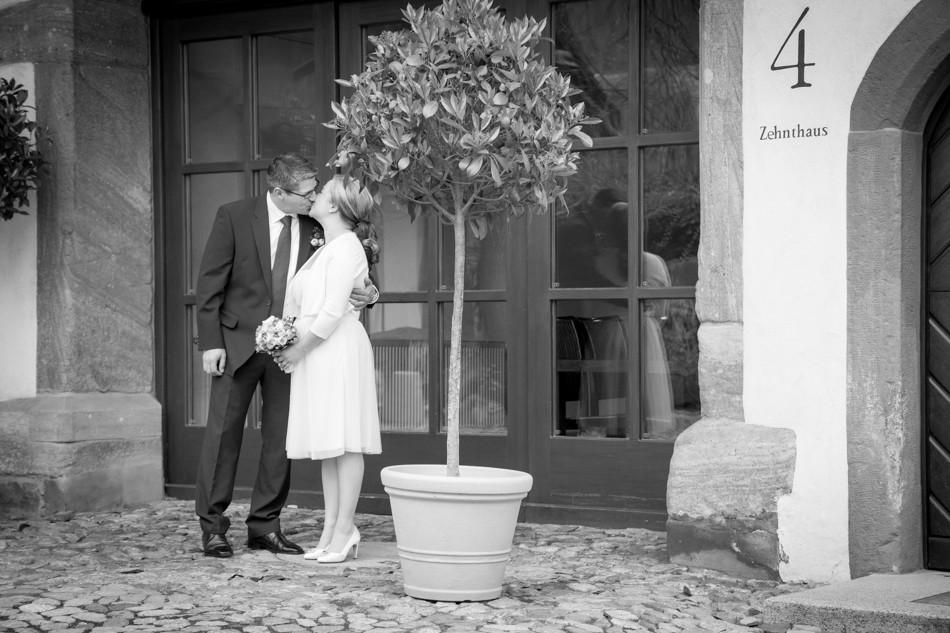 Standesamt-Wyhlen-Hochzeit-Hochzeitsreportage-Heiraten-Süddeutschland-Hochzeitsfotograf-Basel (2 von 9)