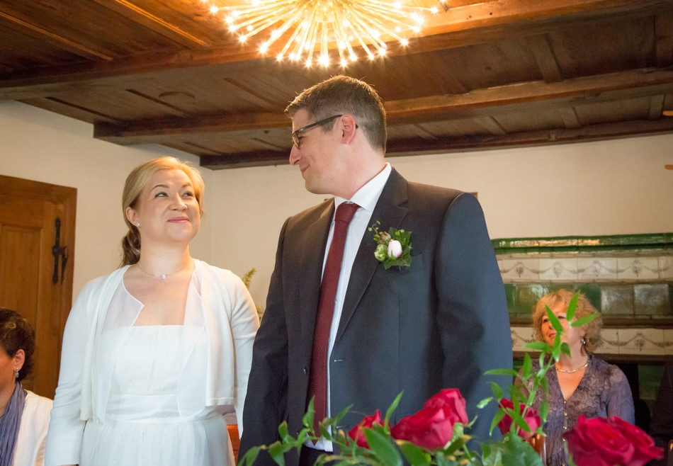 Standesamt-Wyhlen-Hochzeit-Hochzeitsreportage-Heiraten-Süddeutschland-Hochzeitsfotograf-Basel (6 von 9)