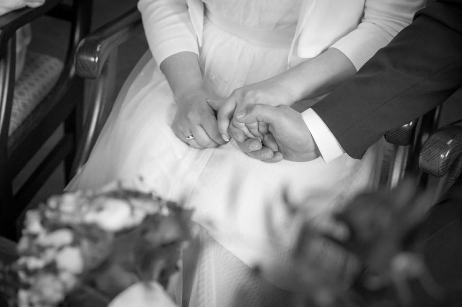 Standesamt-Wyhlen-Hochzeit-Hochzeitsreportage-Heiraten-Süddeutschland-Hochzeitsfotograf-Basel (7 von 9)