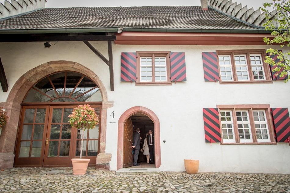 Standesamt-Wyhlen-Hochzeit-Hochzeitsreportage-Heiraten-Süddeutschland-Hochzeitsfotograf-Basel (9 von 9)
