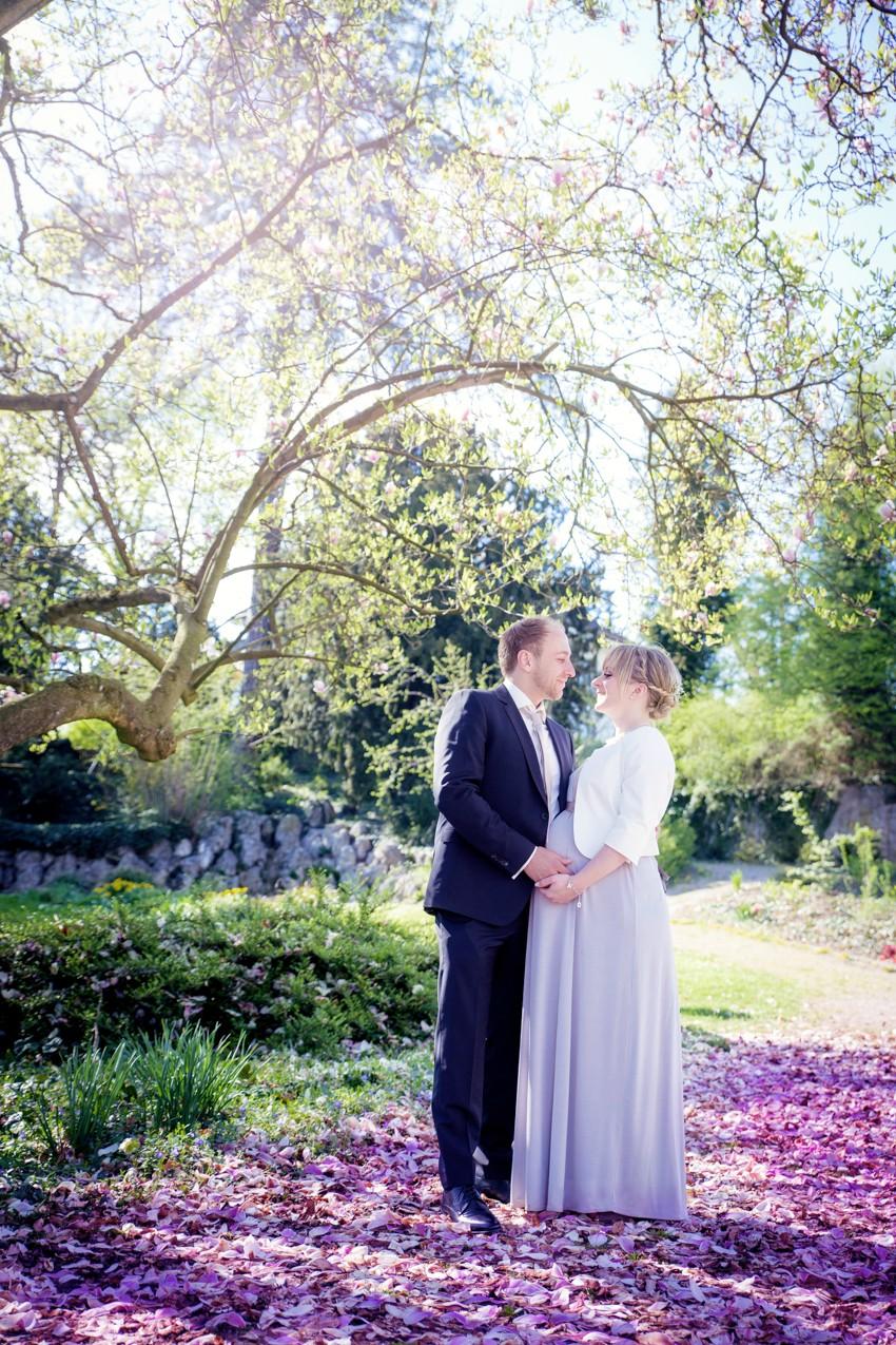 Brautpaarshooting-Fotograf-Basel-Magnolien-Hochzeit (1 von 2)
