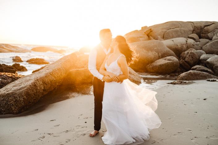 After-Wedding-Shooting bei Sonnenuntergang