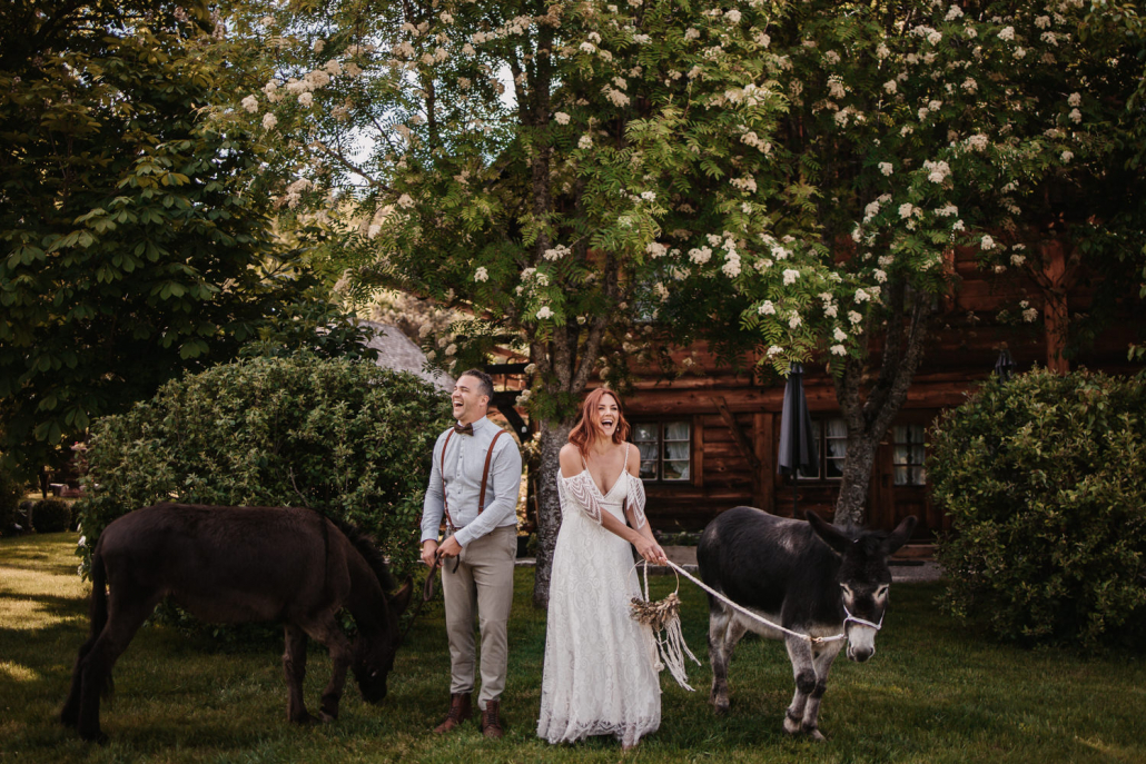 Brautpaarshooting mit Eseln