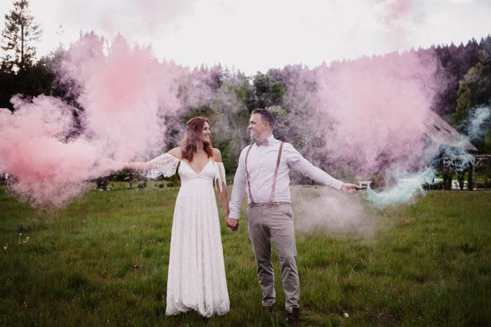 Rauchfackeln Brautpaarshooting