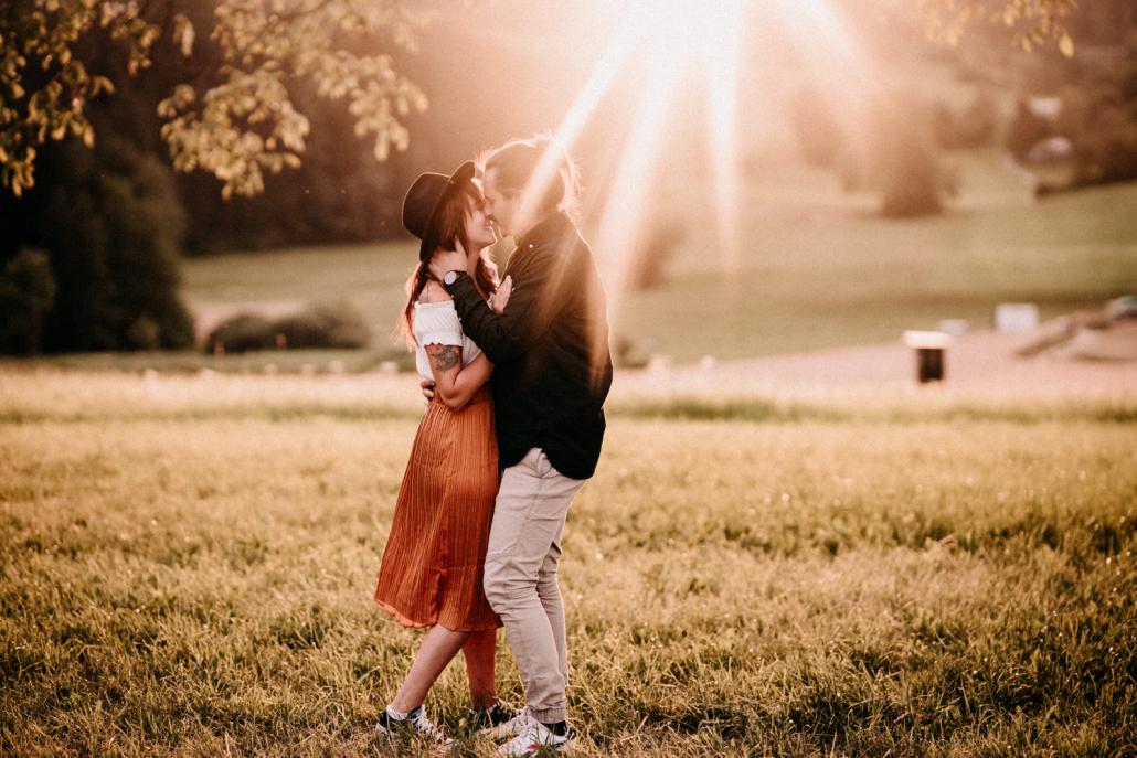 Verlobungsshooting bei Sonnenuntergang